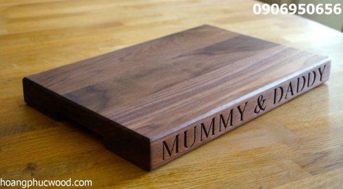 Sản phẩm lưu niệm từ gỗ óc chó tự nhiên hoangphucwood