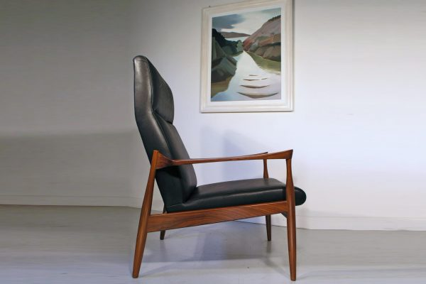 products-kofod-larsen-chair5