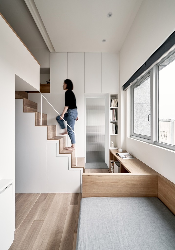 01-This-micro-apartment-is-only-17.6-square-meters-but-it-has-everything-necessary-for-a-person-to-live-in