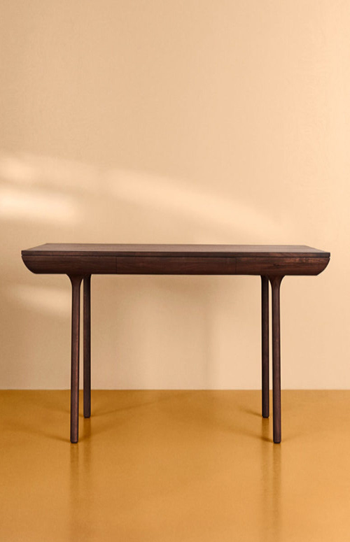 07-The-desks-and-tables-are-available-in-various-types-of-wood-and-different-shades-too-775x775
