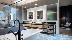 Phòng tắm với ánh sáng xanh