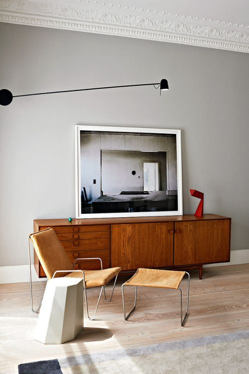 15-leather-metal-plexiglass-are-other-characteristic-materials-of-mid-century-modern-decor-style