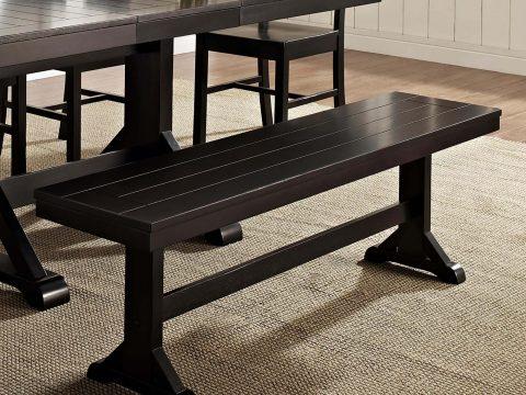 Bộ bàn ăn gỗ sồi cứng phủ sơn đen.