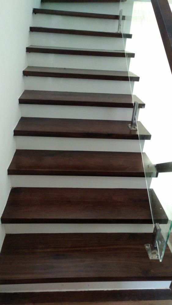 Công trình cầu thang gỗ óc chó SIMCity