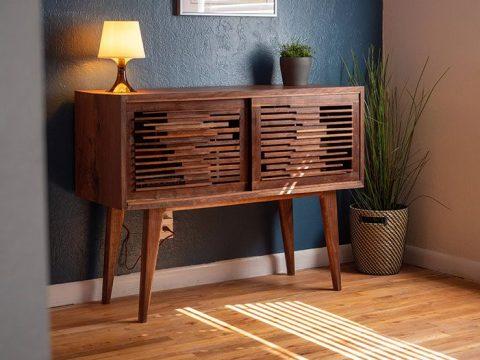 Tủ rượu gỗ cổ điển