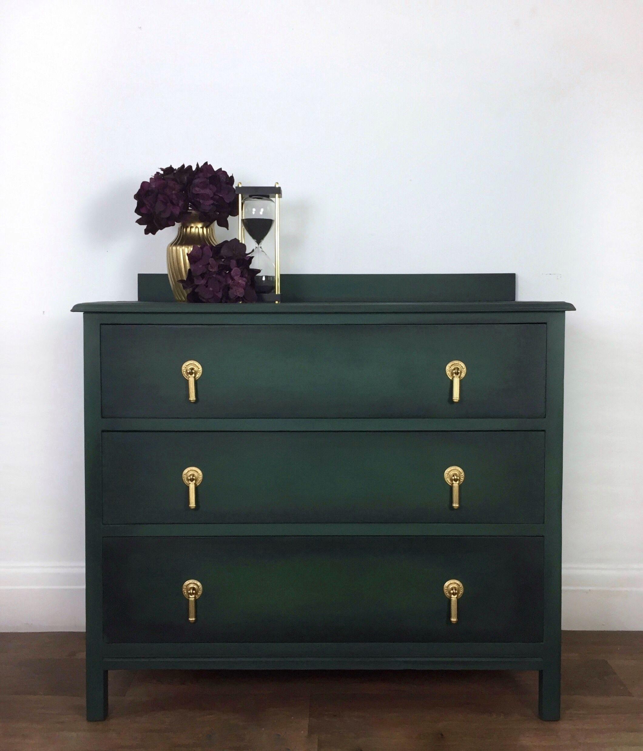 Tủ trang trí màu xanh rêu - Dark Green