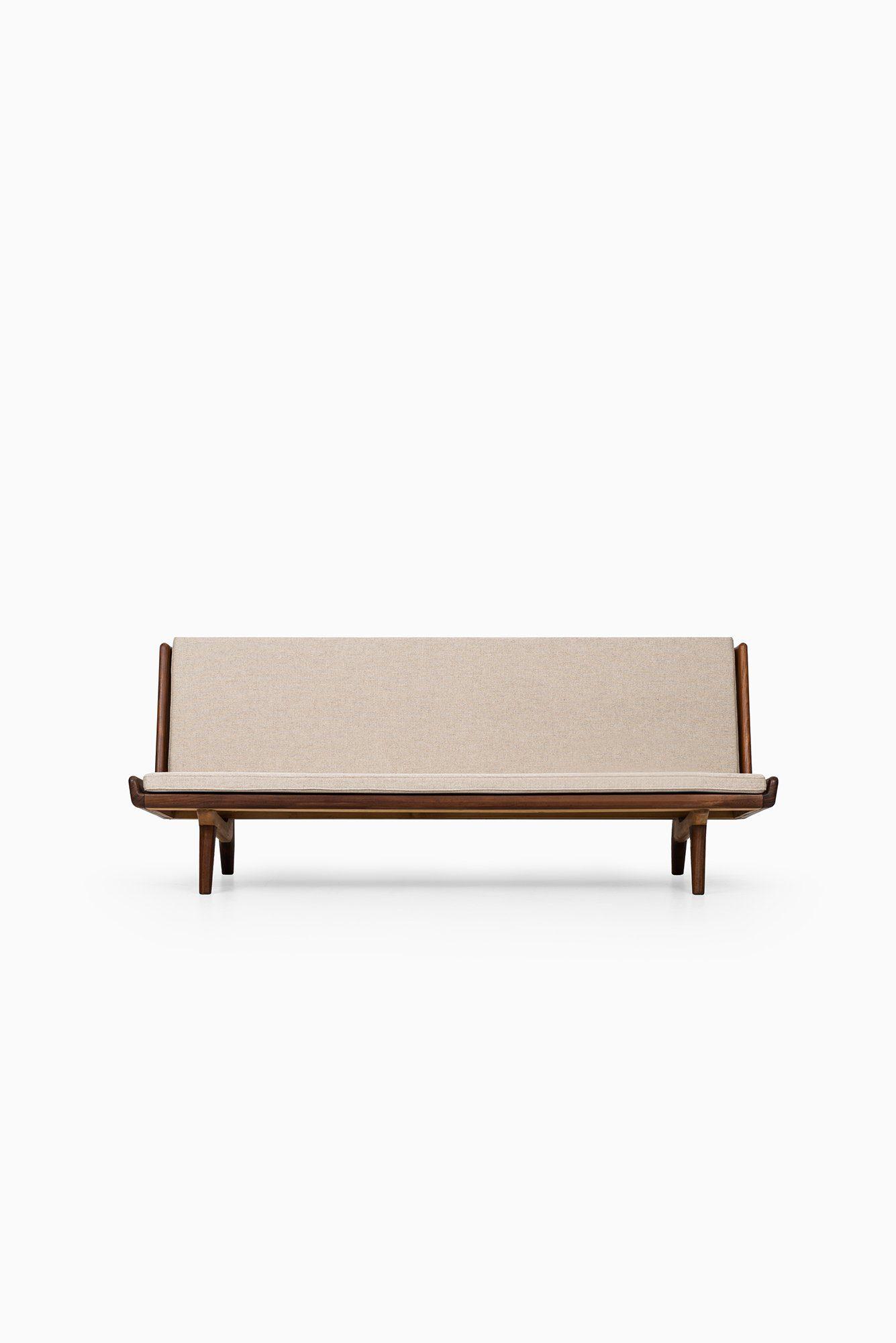 Sofa Trienna St012 (1)